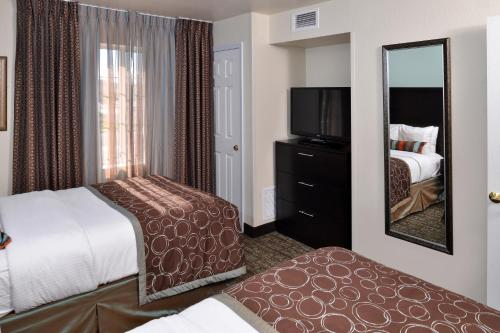 Staybridge Suites Sioux Falls at Empire Mall Photo