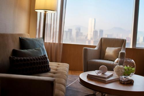 Renaissance Hong Kong Harbour View Hotel, A Marriott Luxury & Lifestyle Hotel photo 12