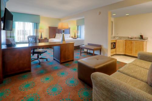 Hampton Inn & Suites Destin Photo
