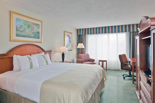 Holiday Inn South Burlington Photo