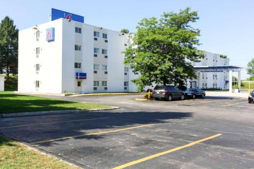 Motel 6 Portland Maine Photo