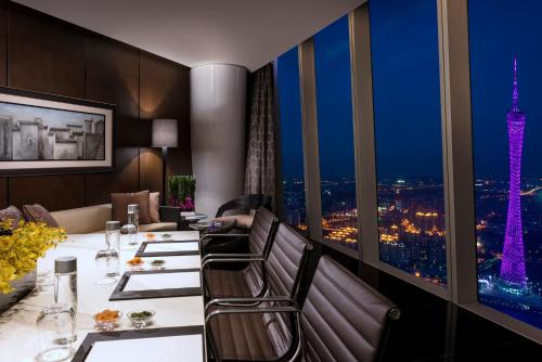 Four Seasons Hotel Guangzhou photo 8