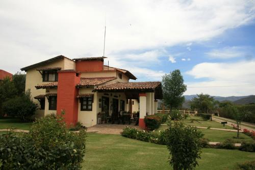 Hotel Rancho La Esmeralda Photo