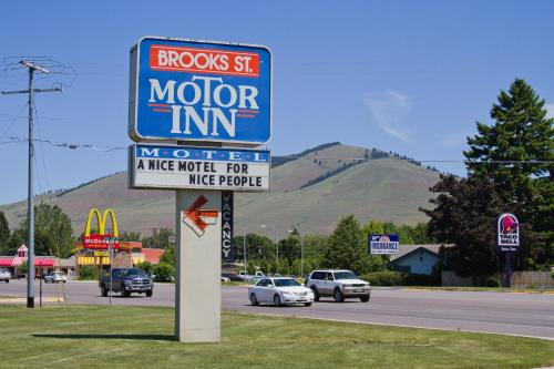 Brooks St. Motor Inn Photo