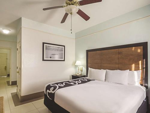 La Quinta Inn & Suites South Padre Island Photo