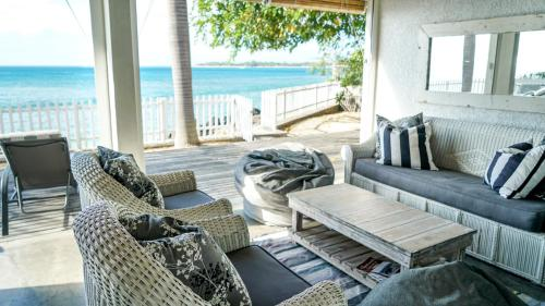 Luxury 5 Bedroom Beachfront Villa on West Coast of Mauritius, Tamarin