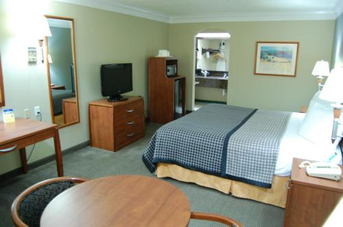 Best Western Angleton Inn Photo