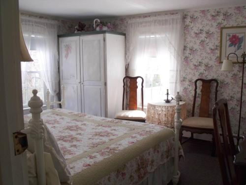A White Swan Bed and Breakfast Photo