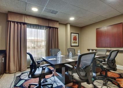 Hampton Inn Warner Robins Photo