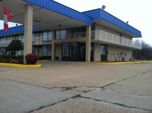 Express Inn West Memphis Photo