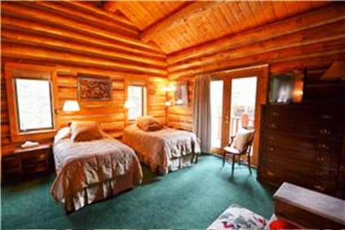 Lenawee Log Home by Key to the Rockies