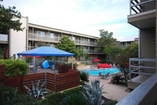 Best Western Plus Austin City photo 10