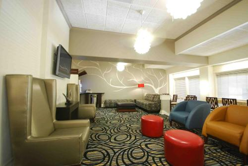 Best Western Plus Austin City photo 38