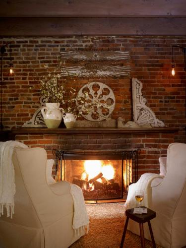 Maison Fleurie A Four Sisters Inn - Bed And Breakfast - Yountville, CA 94599