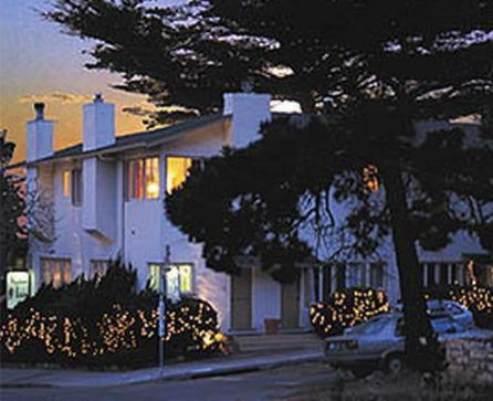 Carmel Wayfarer Inn (Bed and Breakfast)
