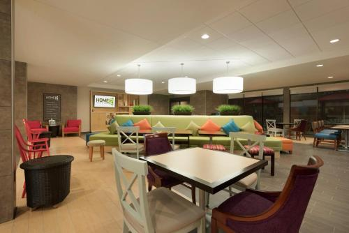 Home2 Suites by Hilton Milwaukee Airport Photo