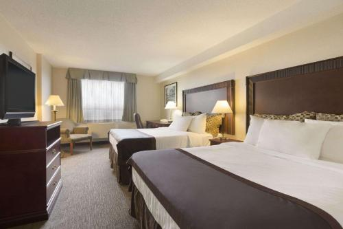 Travelodge Hotel Vancouver Airport Photo