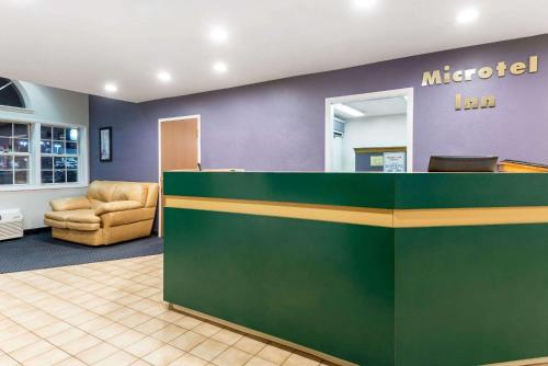 Microtel Inn by Wyndham Henrietta Photo