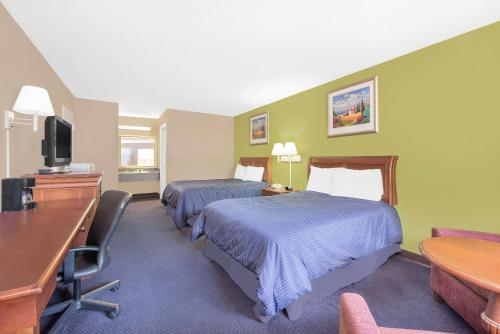 Knights Inn and Suites Anniston Oxford Photo