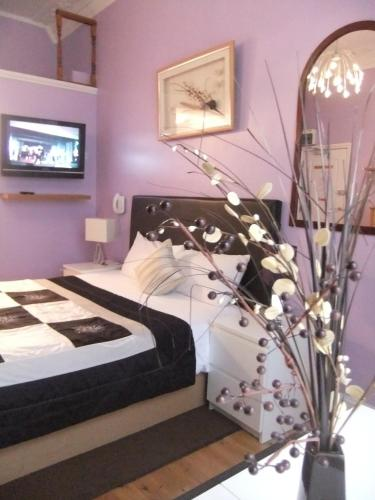 Photo of Dylan Apartments Paddington Self Catering Accommodation in London London