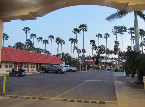 Victoria Palms Inn and Suites Photo