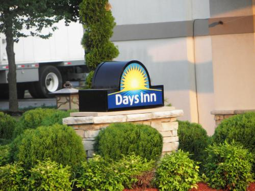 Days Inn Battlefield Road/Highway 65 Photo