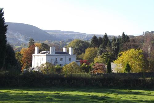 Glangrwyney Court Country House Photo