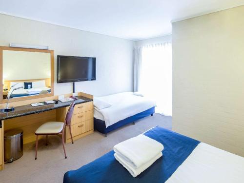 ibis Styles Canberra photo 65