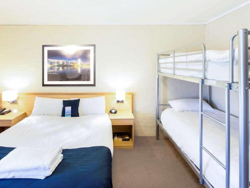 ibis Styles Canberra photo 67