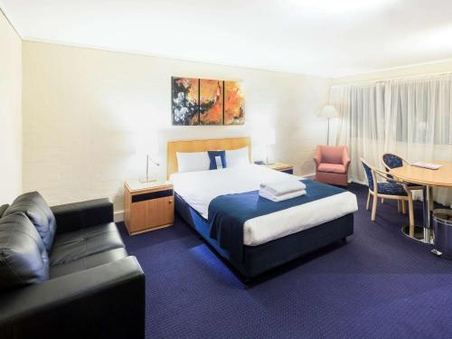 ibis Styles Canberra photo 75