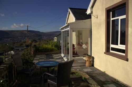 Photo of Penybryn Cottages Hotel Bed and Breakfast Accommodation in Aberdare Rhondda Cynon Taff