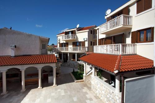 Apartments Tisno Tisno