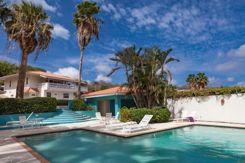 Seaview Caribbean Villa with pool, Willemstad