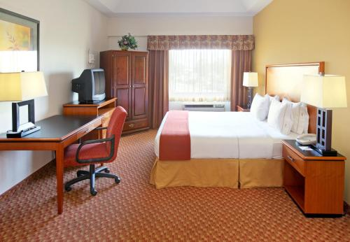 Holiday Inn Express Branson- Green Mountain Drive Photo
