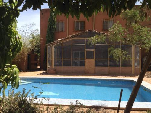 Holland House, Ouagadougou