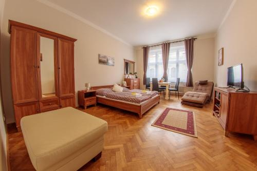 Modern 2 Bedroom Apartment at City Center, Прага