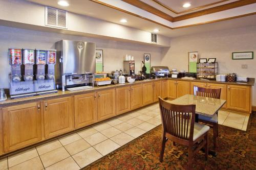 Country Inn & Suites By Carlson Mcdonough - McDonough, GA 30253