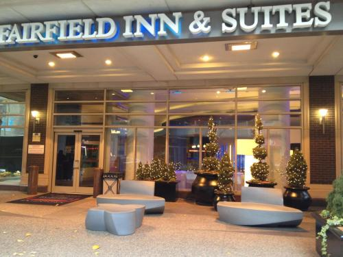Fairfield Inn and Suites Chicago Downtown/ Magnificent Mile photo 2