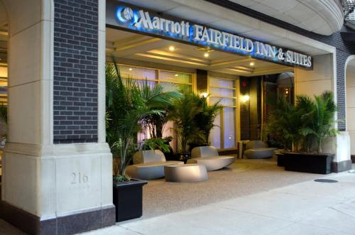 Fairfield Inn and Suites Chicago Downtown/ Magnificent Mile photo 11
