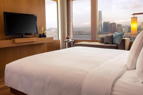 Renaissance Hong Kong Harbour View Hotel, A Marriott Luxury & Lifestyle Hotel photo 19