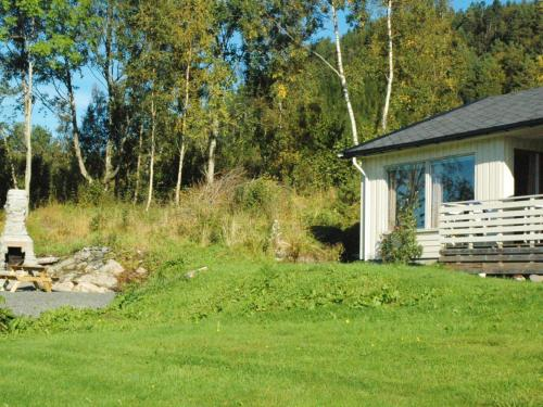 Two-Bedroom Holiday home in Averøy 2, Karvåg