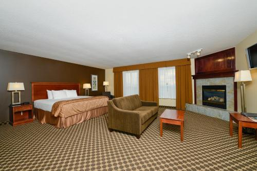 Best Western Strathmore Inn Photo
