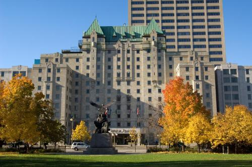 Lord Elgin Hotel Photo