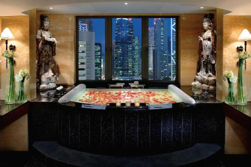 Mandarin Oriental Hong Kong photo 9