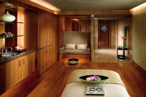 Mandarin Oriental Hong Kong photo 11