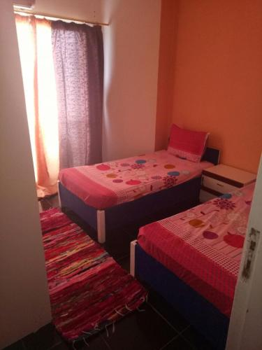 50 m2 studio, for 3 guests in central Doqi, Cairo