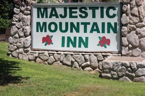 Majestic Mountain Inn Photo