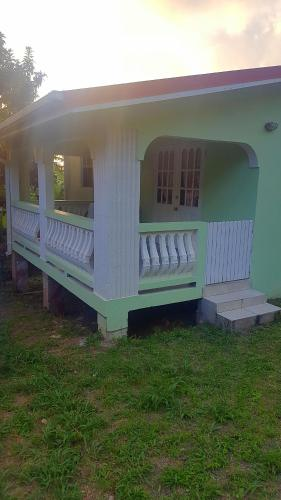 J&T Nature Haven Vacation Home, Gros Islet