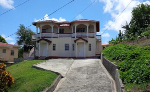 HoneyMoon Nest, Castries