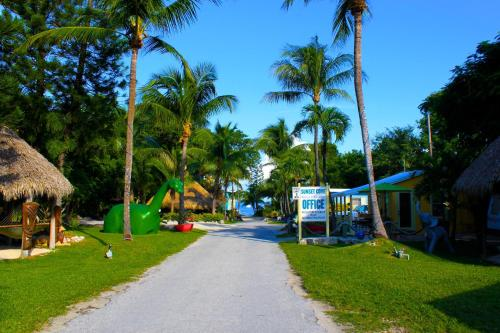 Sunset Cove Beach Resort Photo